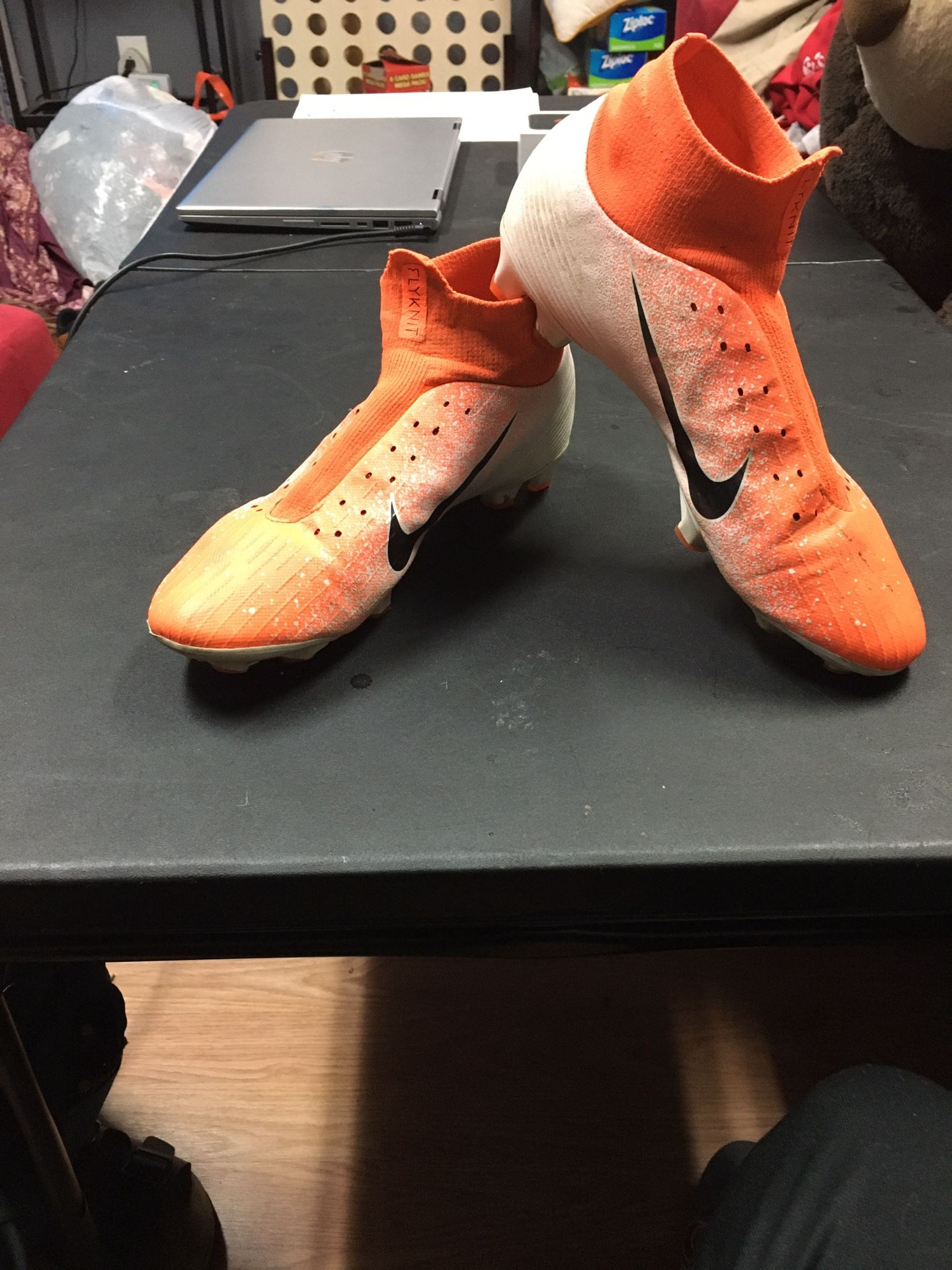 Soccer shoes nike mercurials
