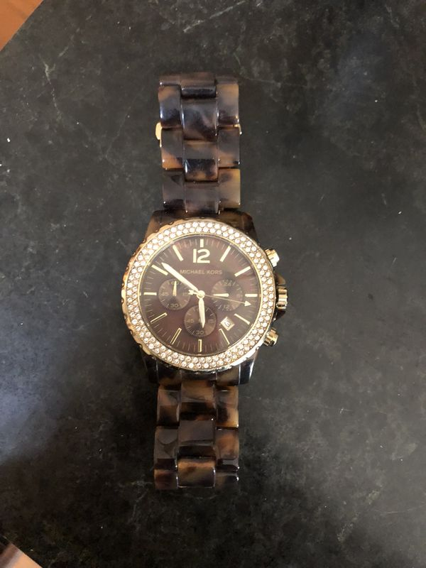56ad813e909a Michael Kors Turtle Watch for Sale in Malden