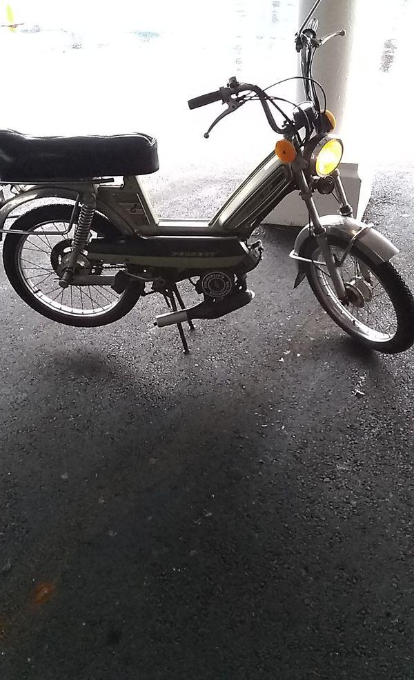 Peugoet moped