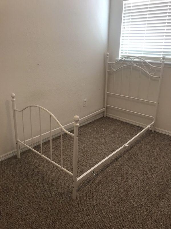 Se Vende Cama Individual, Box, Colchón y Armazón (Furniture) in ...