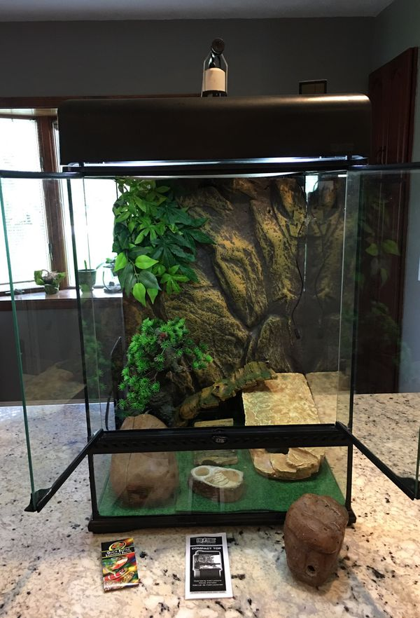 Exo Terra Glass Terrarium 18x18x24 Medium Tall All Accessories