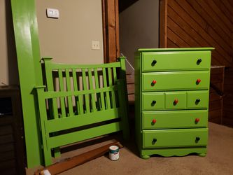 Twin Bed Set With Dresser Thumbnail