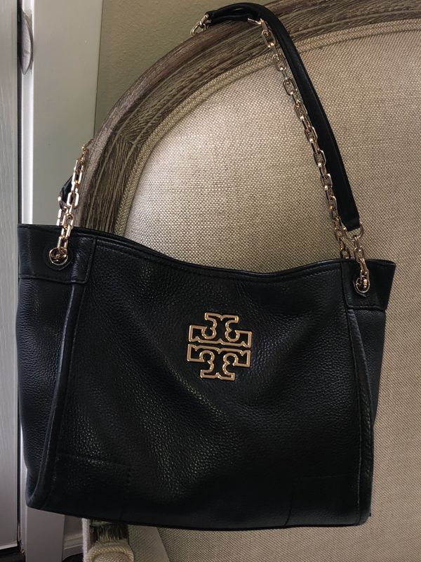 348f3ef0691 Tory Burch McGraw chain shoulder slouchy tote for Sale in Mill Creek ...