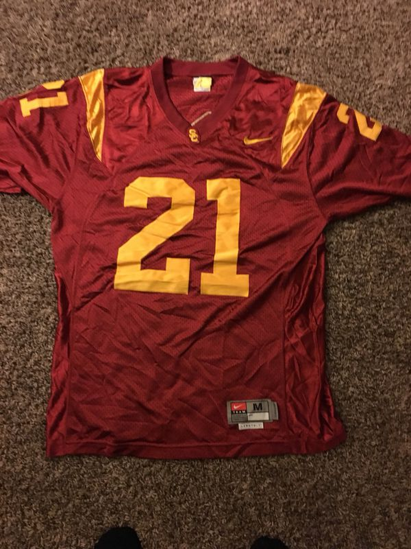 separation shoes 6b5cd 0acec USC Jersey Nike size medium for Sale in Bellflower, CA - OfferUp