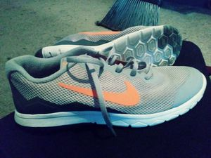 4e5ae349a0bf Nike running shoes. 9 1 2 for Sale in New Bern