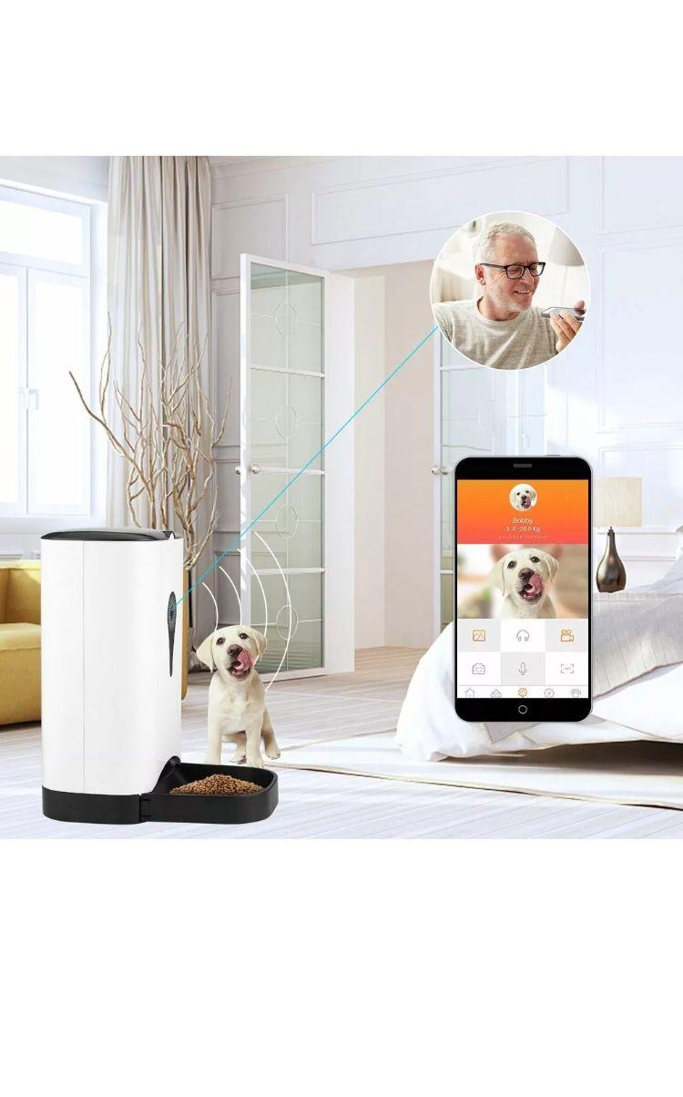 Smart Pet Feeder with Camera