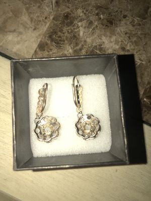 Gold and Diamond earrings for Sale in Alexandria, VA