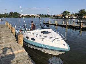 Mercrucer bayliner 22 inches 1992 for Sale in Glen Burnie, MD