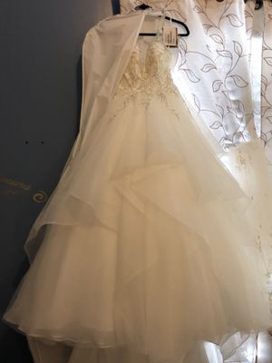Maggie Sottero Wedding Dress. Brand NEW. NEVER WORN. SIZE 6 for Sale in Apex, NC