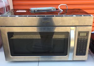 Whirlpool countertop microwave for Sale in Mount Rainier, MD