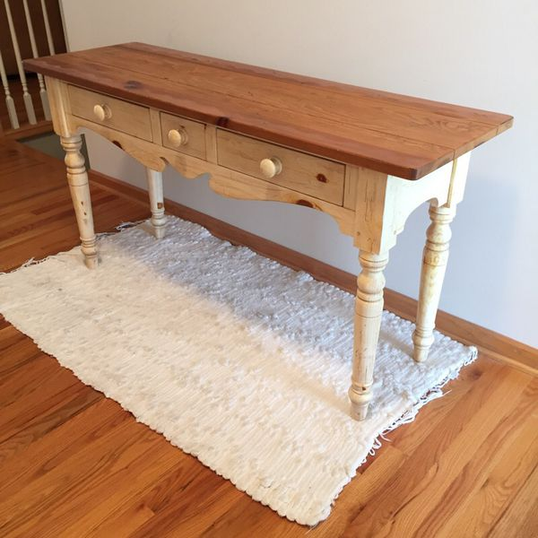 Ethan Allen Farmhouse Pine Collection Dining Table