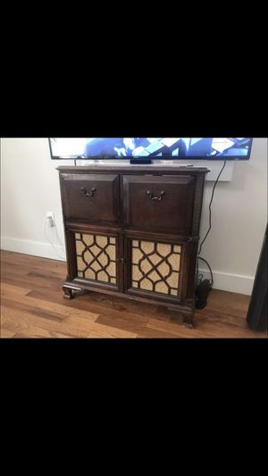 Antique Radio Cabinet for Sale in Denham Springs, LA