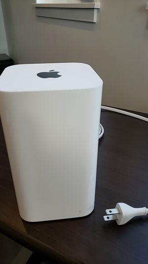 Apple Router (not sure of model) for Sale in Cleveland, OH
