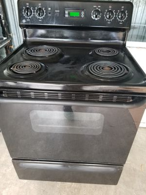GE Coil Top Stove Full Size. Perfect condition for Sale in Crofton, MD