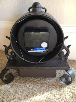 Small metal kitchen clock with drawer Thumbnail