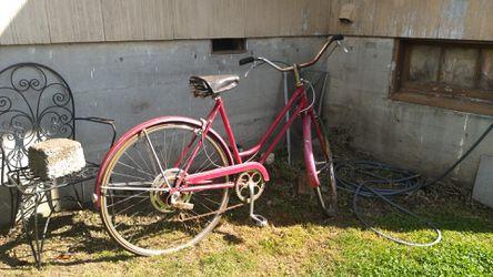 Antique Shwinn Bicycle. Offer me something.. Thumbnail