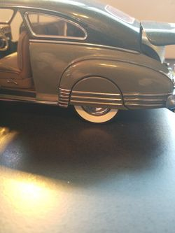 Danbury Mint 1/24 Scale 1948 Fleetline Aerosedan Thumbnail