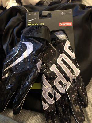 Supreme football Nike gloves brand new SZ M for Sale in Alexandria, VA