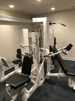Universal Weight Machine for Sale in Brinklow, MD