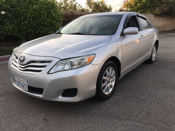 Ford Dealerships In Nc >> 2011 Toyota Camry le / Clean Title / 137,000 Miles / 4 ...