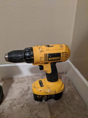 Photo 18 v DeWalt without battery charger battery is fully charged