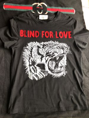 Gucci Blac tee shirt, blind for love medium for Sale in Washington, DC