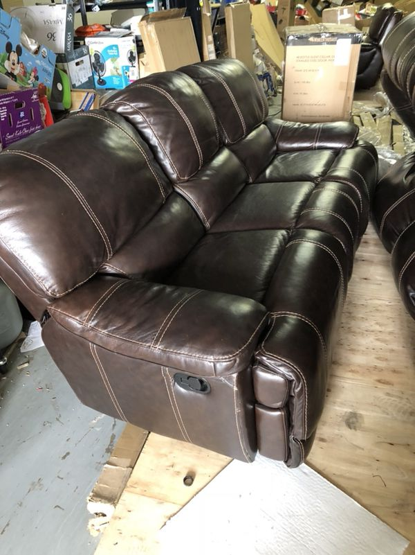 Cheers Clayton Motion Leather Sofa Offers 3 Seats Of Which 2 Are