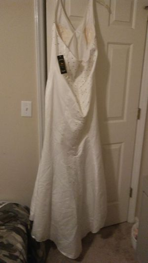 Beautiful new halter Wedding for Sale in Apex, NC