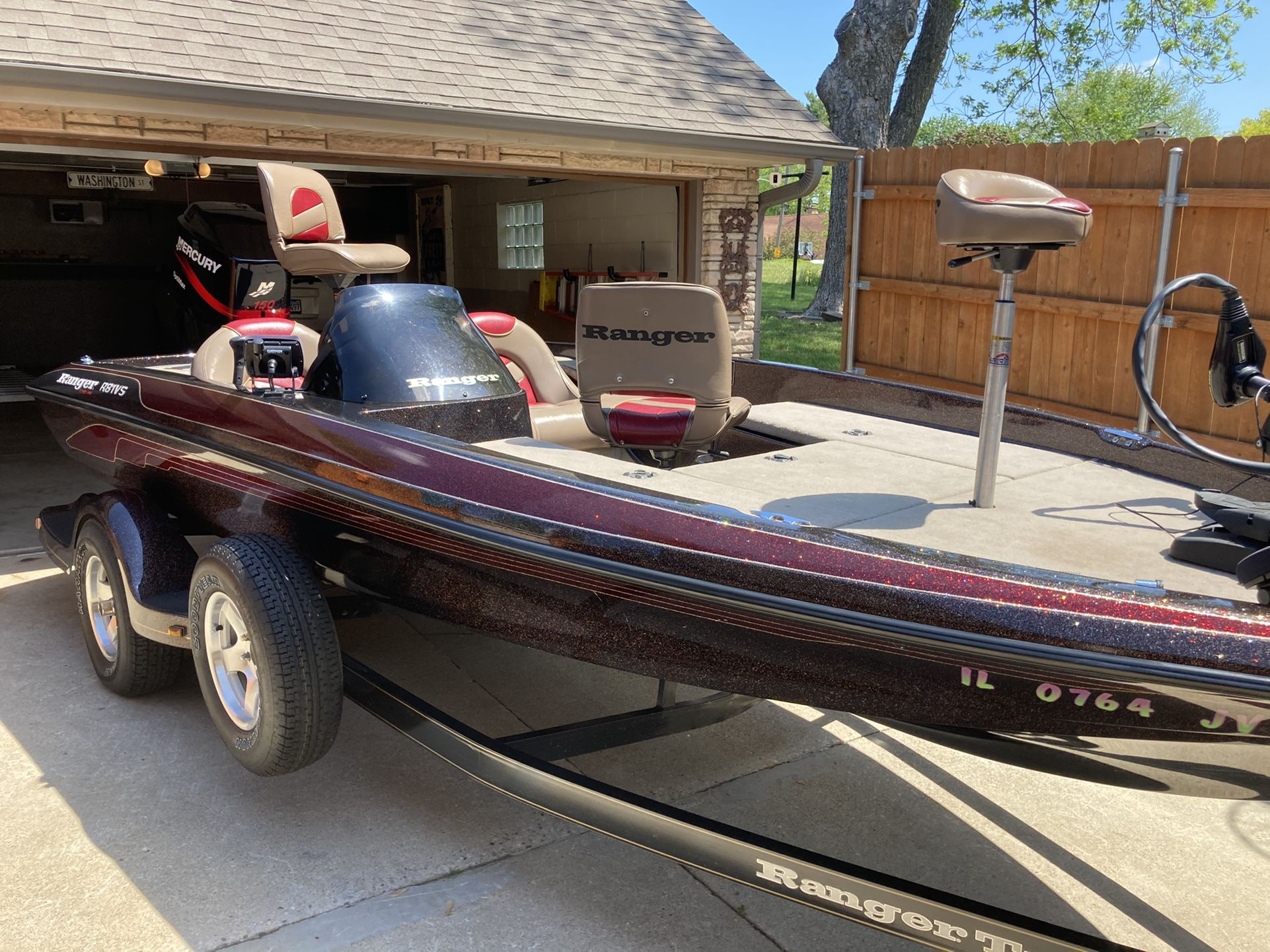 Photo Ranger R81 SV Bass Boat Mint Condition 20 Hours On Motor Garage Kept