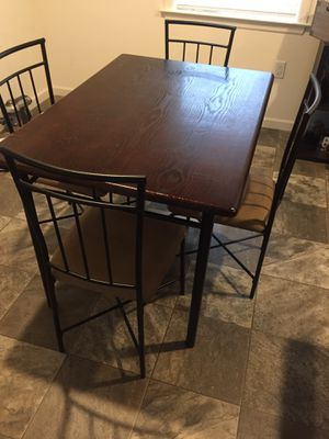 5 Piece Dining Room Table For Sale In Willow Street PA