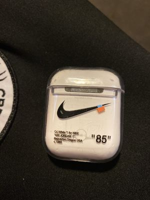 Photo Gen 1 air pods new with off white nike case