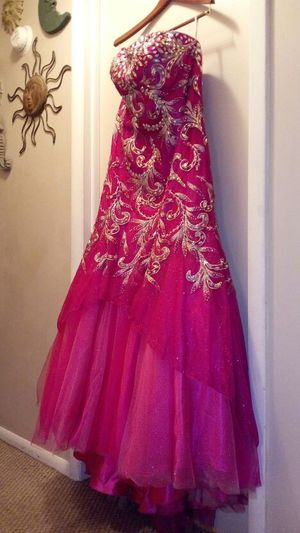 Tiffany Designs fuchsia pink Formal for Sale in Detroit, MI