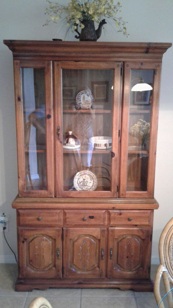 Broyhill China Cabinet Solid Wood By Lenoir House For In Rockledge Fl Offerup