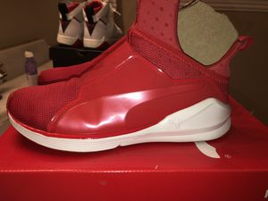 PUMA SIZE 8 WOMEN KYLIE JENNER COLLEXTION for Sale in Dallas, TX