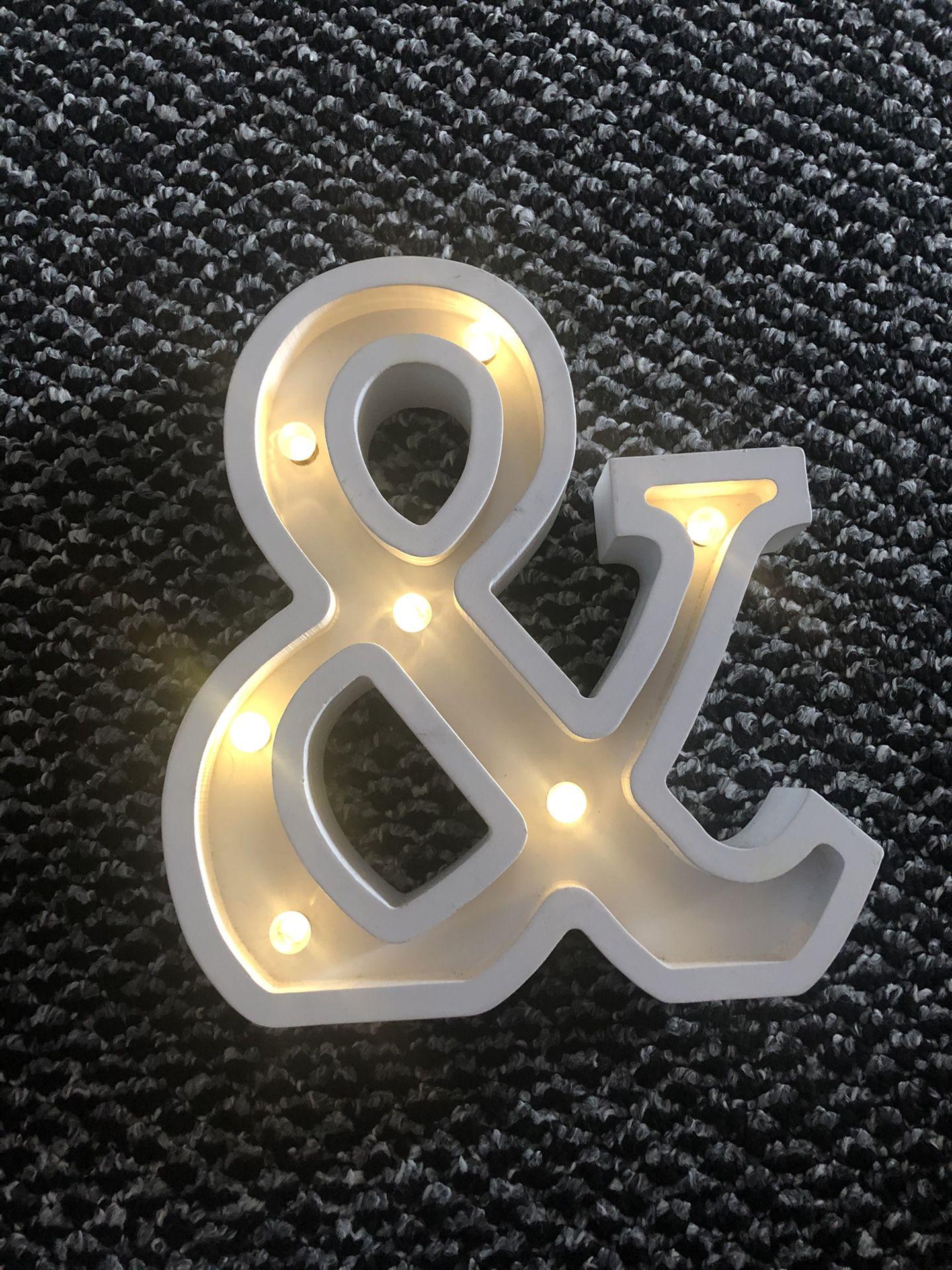 Light up Ampersand
