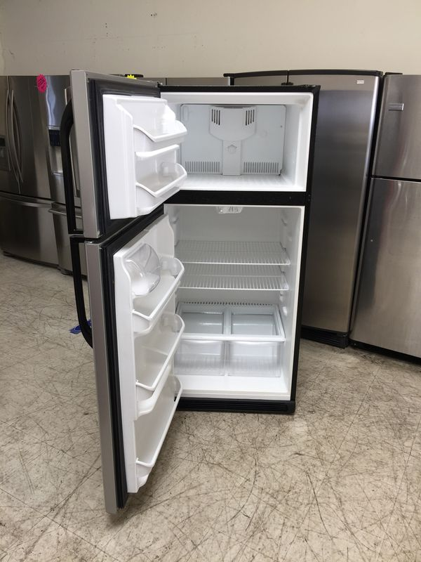 "Frigidaire 30"" Top Freezer Refrigerator 18 cu ft Apartment Size ..."