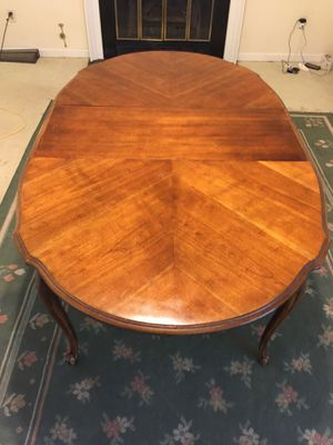 Dining table for Sale in Herndon, VA
