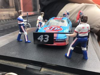 Richard Petty 43 Racing Champions Pit Stop Show Casereplica Diecast Thumbnail