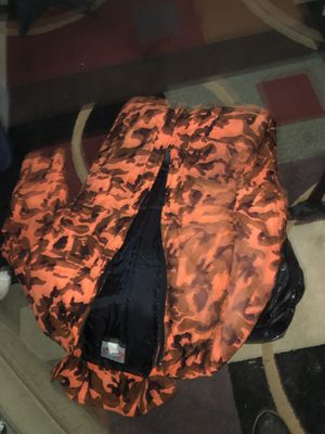 Bright orange hunting suit very very warm extra large $10 cash pick up only for Sale in Martinsburg, WV