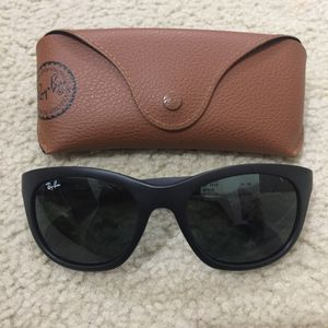 Rayban sunglasses for Sale in West Springfield, VA