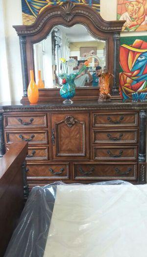 Juegos de cuarto de mármol for Sale in Hialeah, FL