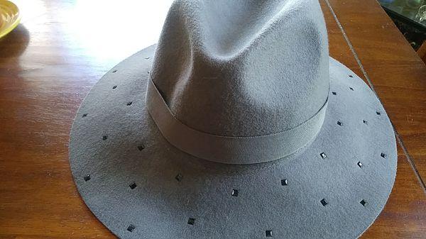 New Vince Camuto Gray felt women s fedora hat   Designer for Sale in ... 8211eba71b5