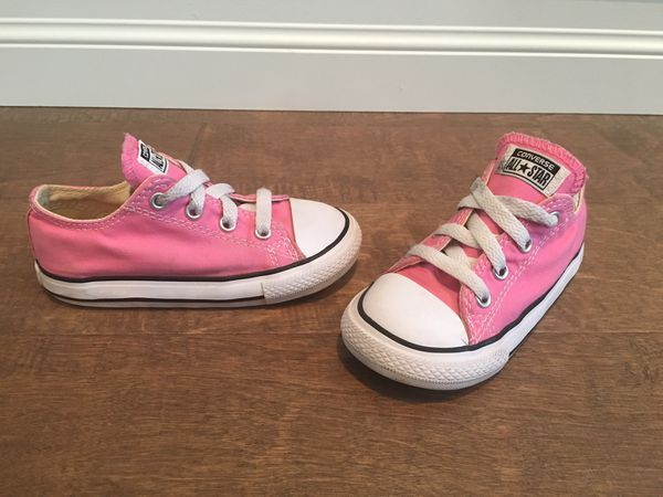 77e7d4059c1 Toddler Girls Pink Converse for Sale in McCleary, WA - OfferUp