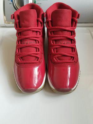 Photo Jordans. Size 9. (Must Pick Up)