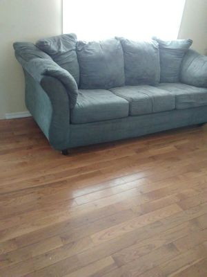 Couch and love seat. Free for Sale in Alexandria, VA