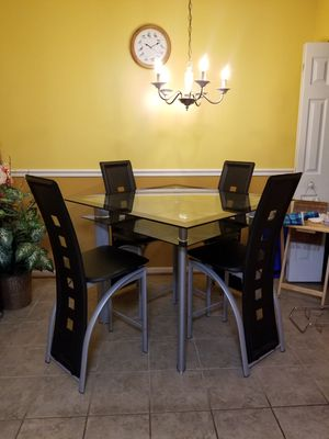 Dining table with leather chairs for Sale in Montgomery Village, MD