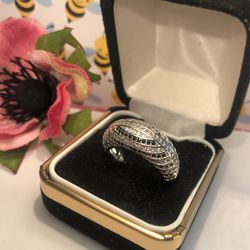 Dome Shaped Band With Chanbel Set Black& white Sapphires On Sterling Silver .925 Stamped Band Sz(7 Thumbnail