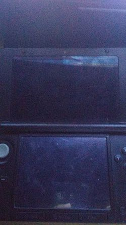 Nintendo 3ds XL Year of Luigi Edition Thumbnail