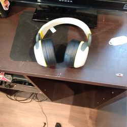 Bluetooth Headphones Thumbnail