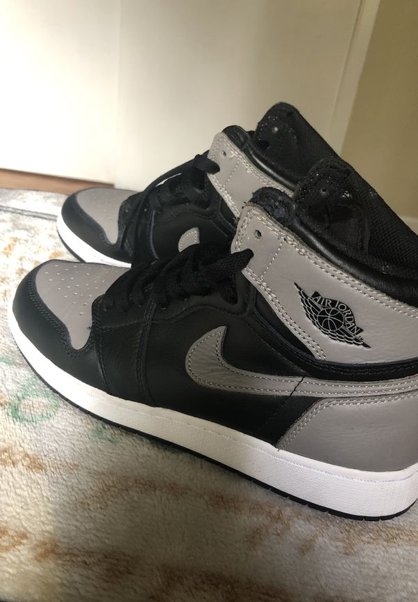 83534618b1e Air Jordan Retro 1 boys Size 7Y or 8.5 women's size for Sale in ...